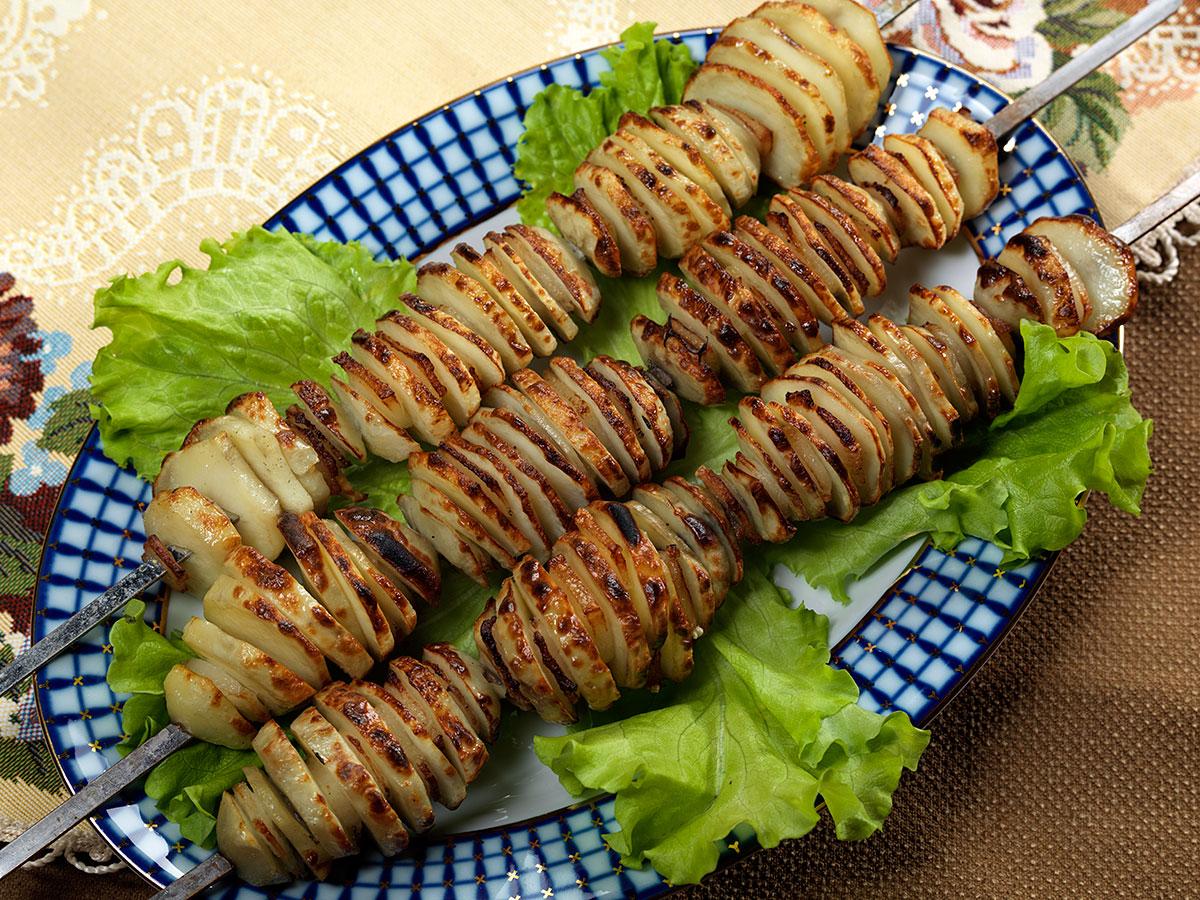 Картофель на шампурах на мангале рецепт