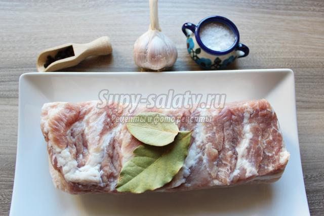 Как засолить свиную грудинку: два разных варианта 55
