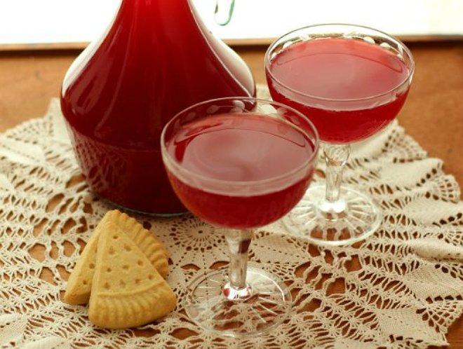 Опытные виноделы способны превратить любой съедобный продукт в настоящий изысканный напиток.